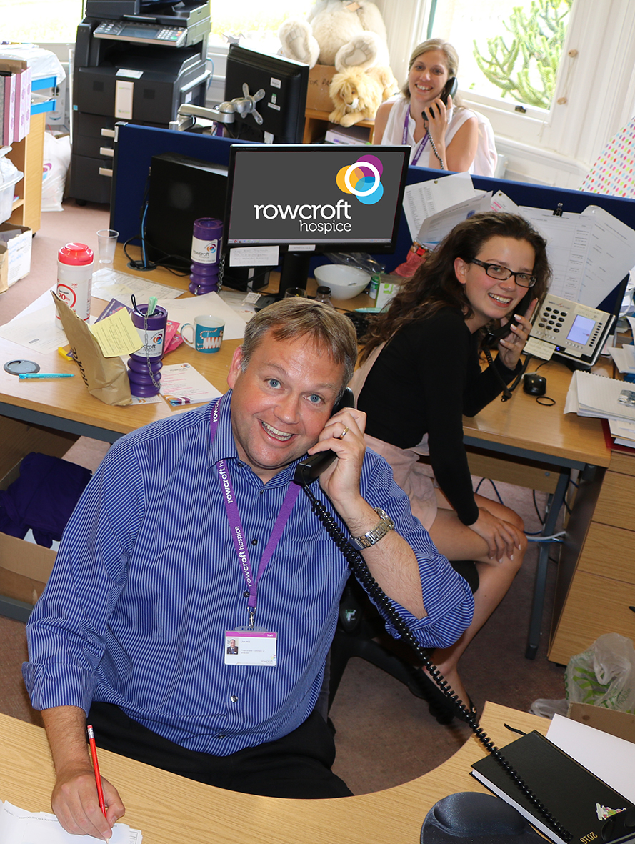 Jon Hill prepares for Rowcroft's telephone appeal with the fundraising team